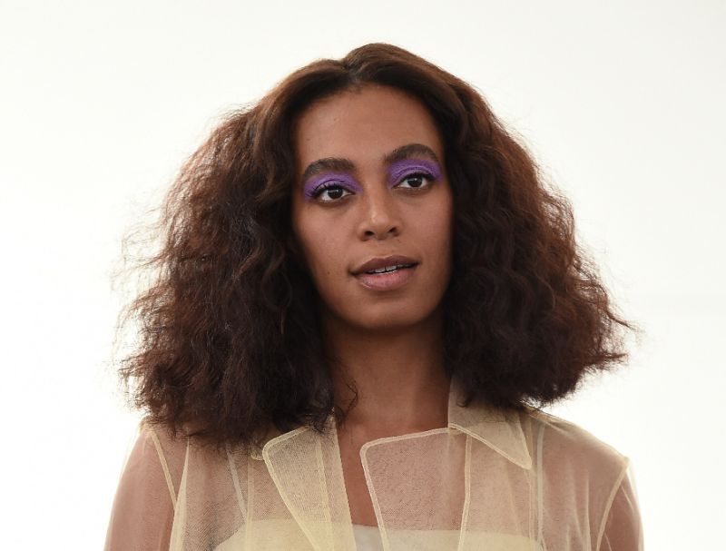 Solange earns first number one with surprise album