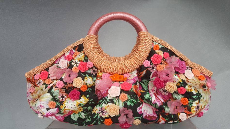 Score unique artisanal finds at ArteFino Fair
