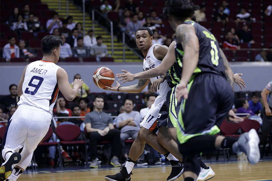 PBA: Meralco downs Romeo-less GlobalPort, ties Ginebra atop standings