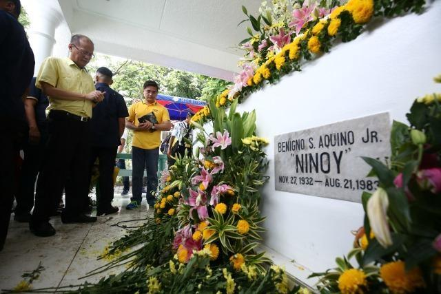 aquino revolutionary government He boasts that under a revolutionary government, he will fire people at  the  political situation in which president cory aquino found herself.