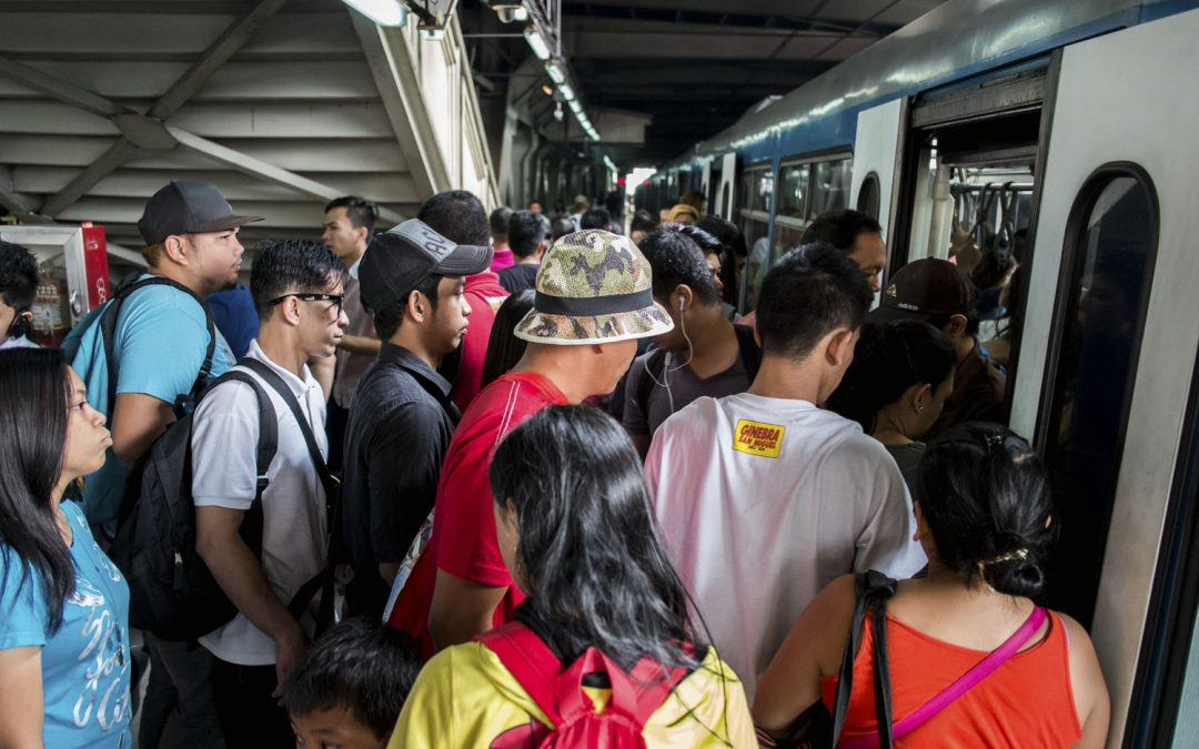 Palace official vows to ride the MRT amid train issues