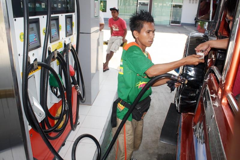 Oil price hike, nakaamba sa Martes