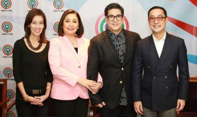 Aga with (from left) Cat Lopez, ABS-CBN Head of Finance for Broadcast and Integrated News and Current Affairs,  Cory Vidanes, COO for Broadcast, and Carlo Katigbak, ABS-CBN pesident and CEO