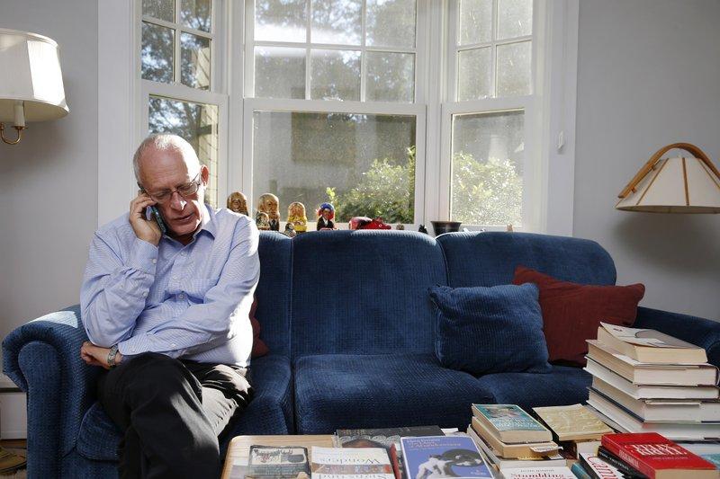 For showing how contracts work best, 2 economists win Nobel
