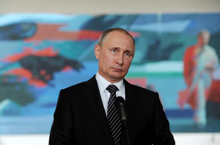 Putin cancels visit to Paris in heated Syria row