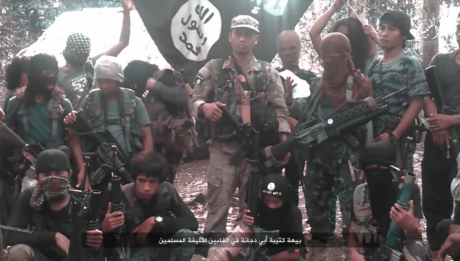 Foreigner na bomber nakita sa kuta ng Abu Sayyaf