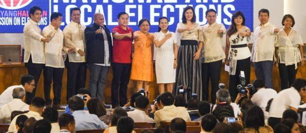 Grace Poe at Nancy Binay tumangging mag Duterte fist bump sign