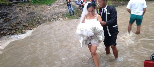 Even flood could not stop the couple from tying the knot