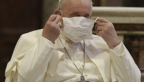 Pope criticizes people going on holiday to flee COVID lockdowns