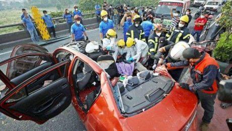 2 dead in Pasig flyover crash